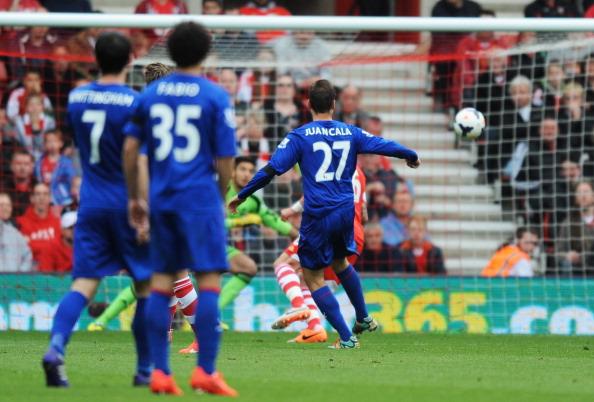 Juan Cala marca un gol con el Cardiff City | Getty Images