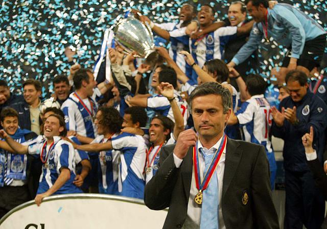 Mourinho campeón de Europa 2004 con el Porto