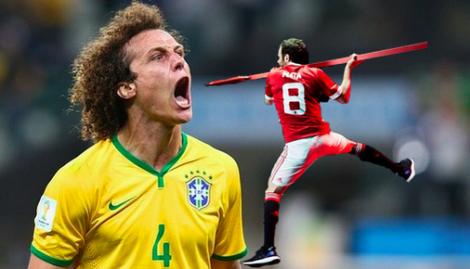 Juan Mata le sirve un pincho moruno a David Luiz
