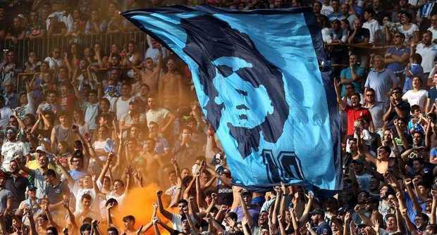 Maradona-grazie-napoletani