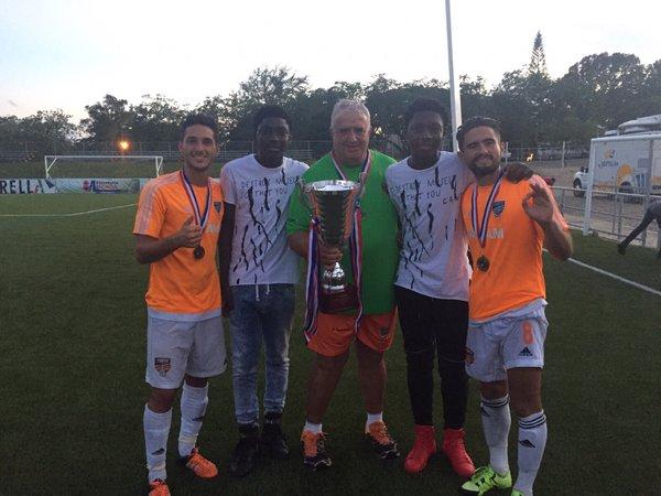 Los españoles campeones con el Cibao FC, en República Dominicana