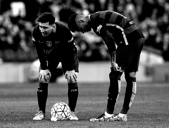 BARCELONA, SPAIN - MARCH 12:  Lionel Messi and Neymar JR of Barcelona react during the La Liga match between FC Barcelona and Getafe CF at Camp Nou on March 12, 2016 in Barcelona, Spain.  (Photo by Manuel Queimadelos Alonso/Getty Images)