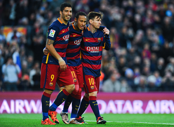 BARCELONA, SPAIN - NOVEMBER 28:  Neymar (C) of FC Barcelona celebrates with his teammates Luis Suarez (L) and Lionel Messi of FC Barcelonaa after scoring his team's third goal of FC Barcelonaduring the La Liga match between FC Barcelona and Real Sociedad de Futbol at Camp Nou on November 28, 2015 in Barcelona, Spain.  (Photo by David Ramos/Getty Images)