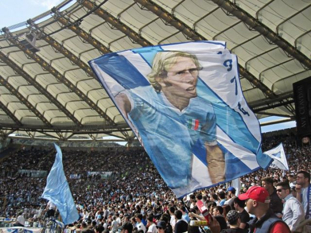 SS-LAZIO-NEWS-BANDIERA-RE-CECCO-CURVA-NORD