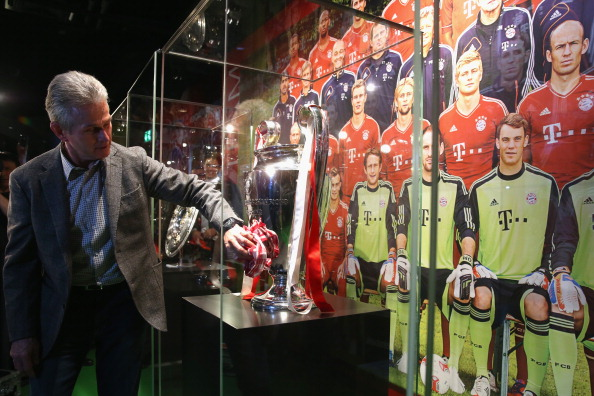 Jupp y su último gran trofeo, la Champions League conseguida con el Bayern   Getty Images