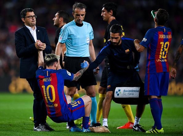 Leo Messi, lesionado en el 58' ante el Atlético | Getty Images