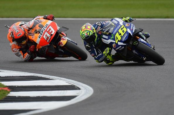 Valentino Rossi Marc Márquez MotoGP Gran Bretaña 2016 - Sphera Sports