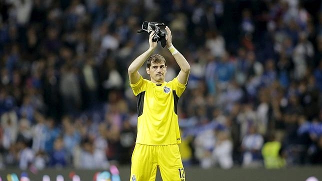 iker-casillas-debut-oporto-644x362