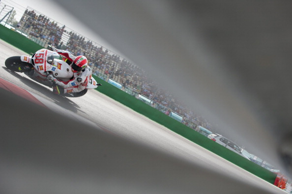 MISANO ADRIATICO, ITALY - SEPTEMBER 04:  Marco Simoncelli of Italy and Repsol Honda Team rounds the bend during the end of the MotoGP race of the MotoGP of San Marino at Misano World Circuit on September 4, 2011 in Misano Adriatico, Italy.  (Photo by Mirco Lazzari gp/Getty Images)