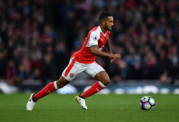 LONDON, ENGLAND - OCTOBER 22: Theo Walcott of Arsenal in action during the Premier League match between Arsenal and Middlesbrough at The Emirates Stadium on October 22, 2016 in London, England. (Photo by Dan Mullan/Getty Images)