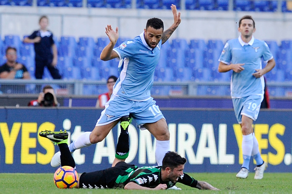 ROME, ROMA - OCTOBER 30: (L-R) Stefano Sensi of US Sassuolo competes a ball with Felipe Anderson of SS Lazio during the Serie A match between SS Lazio and US Sassuolo at Stadio Olimpico on October 30, 2016 in Rome, Italy. (Photo by Getty Images/Getty Images)