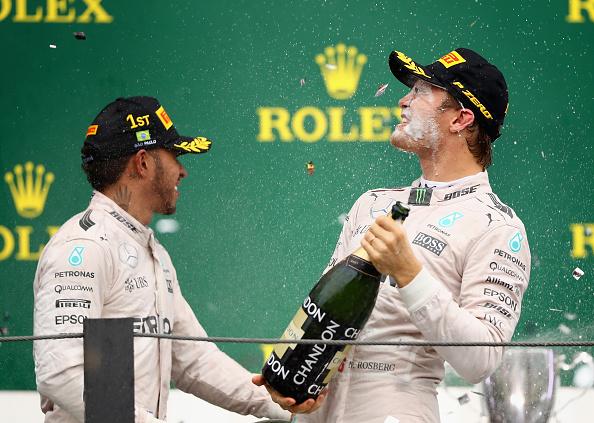 ¿Champagne para Lewis, o para Nico? | Getty
